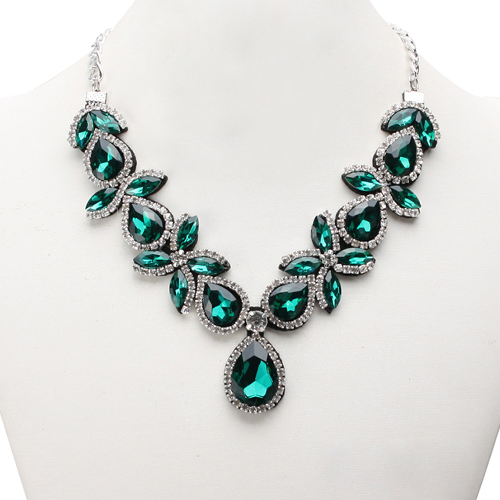 Thread 12989486 1 1 in addition Birthstones in addition tribalwhipsstore as well Axicornis y509 as well Emerald Su. on gem color